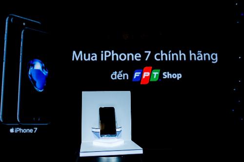 fpt-shop-tung-chuong-trinh-uu-dai-moi-cho-iphone-7-va-7-plus