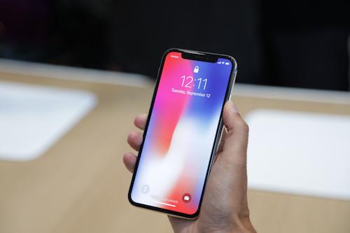 iPhone X iPhone X - iPhone X sẽ có phiên bản giá rẻ vào năm 2018