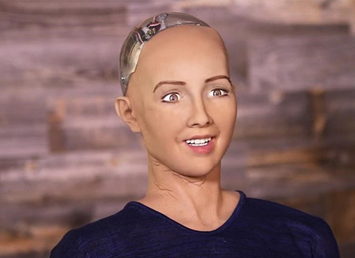 robot-dau-tien-tren-the-gioi-co-quyen-cong-dan