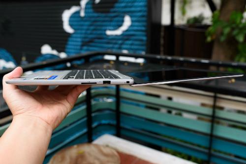 dell-inspiron-7370-laptop-manh-de-trang-bi-chip-core-i-the-he-8-1