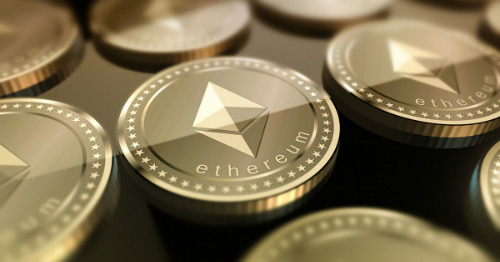 Ethereum hiện có giá khoảng 300 USD một đồng.