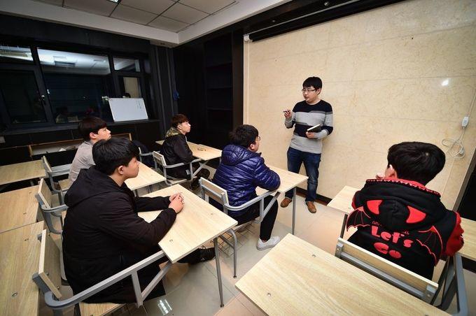 Những thanh niên Trung Quốc chọn game làm lý tưởng sống ảnh 9