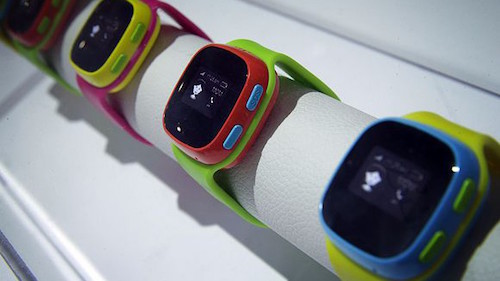 chinh-phu-duc-khuyen-cha-me-pha-huy-smartwatch-cua-con