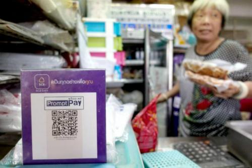 Bảng quét mã QR trong một cửa hàng ở Bangkok, Thái Lan. Ảnh: Reuters