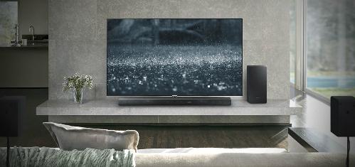 Cùng với sự bùng nổ của thị trường TV màn hình lớn, loa thanh đang dần hiện diện nhiều hơn trong các gia đình Việt.