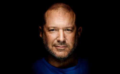 Jony Ive, giám đốc thiết kế của Apple.