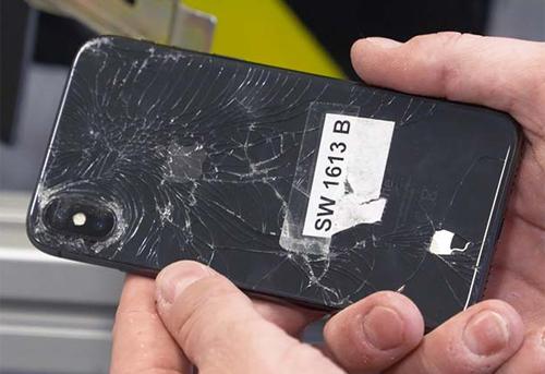 iPhone X không bền bằng iPhone 8 và 8 Plus theo đánh giá của Consumer Reports.