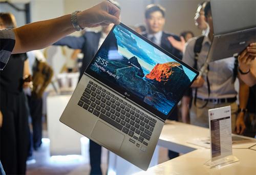 5-laptop-mong-nhe-hap-dan-nhat-2017