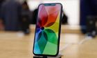 Apple bị chê vì cố 'đánh bóng' iPhone X