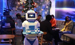 Robot phục vụ cafe được sản xuất tại Việt Nam