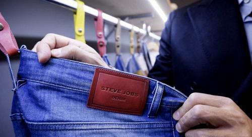 Một mẫu quần jean mang thương hiệu Steve Jobs.