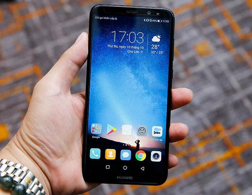 Huawei nova 2i sở hữu cấu hình mạnh, bốn camera và bán ra với giá phải chăng.