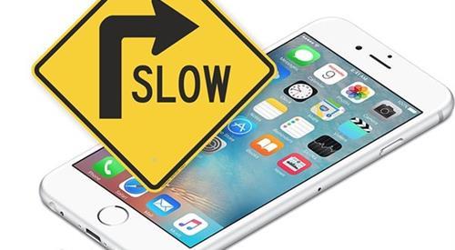 Apple có thể sẽ không đạt doanh thu mong đợi sau sự cố làm giảm hiệu năng smartphone.