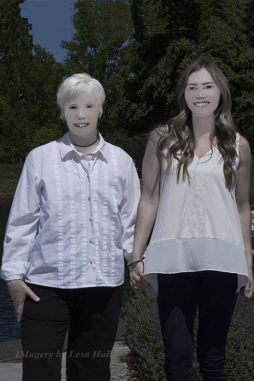 Bộ ảnh gia đình gây sốt mạng Internet vì xấu không tin nổi
