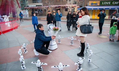 Cầu hôn bằng robot, nhưng bị từ chối