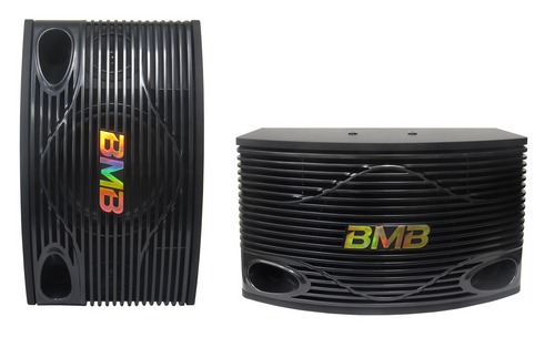 BMB khá quen thuộc trên thị trường karaoke và các dòng loa của hãng cũng được người dùng ưa thích nhờ âm thanh hay so với mức giá. Với khoảng 15 triệu đồng, người dùng có thể chọn mẫu loa BMB CSN 300 SE, ampli Jarguar PA 203N KOMI NK, đầu đĩa Omaton HD 8000K hoặc Acnos SK5500 HDMI và micro không dây Shure UGX8II.