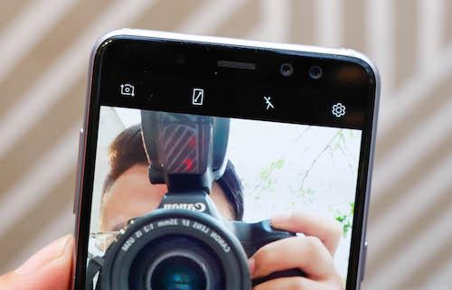Galaxy A8 - smartphone selfie tốt nhất của Samsung - 1