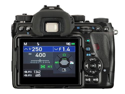 Pentax ra K-1 Mark II hỗ trợ ISO gấp 8 lần Canon 6D Mark II