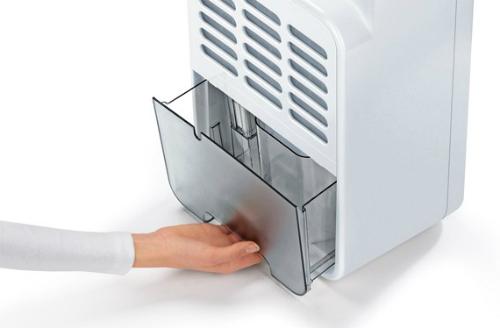 Dung tích khay nước là yếu tố đầu tiên cần tính toán khi mua máy hút ẩm.