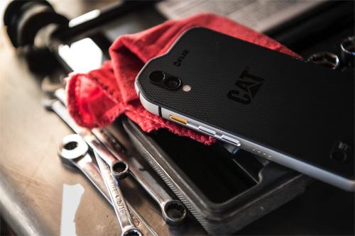 Điện thoại Android đầu tiên có giá nghìn đô như iPhone X - 1