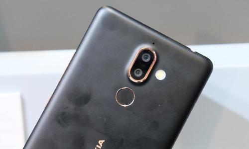 Bộ đôi smartphone Nokia chuyên chụp ảnh