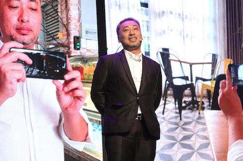 Đạo diễn Nguyễn Quang Dũng ấn tượng với tính năng quay slow motion trên Galaxy S9.