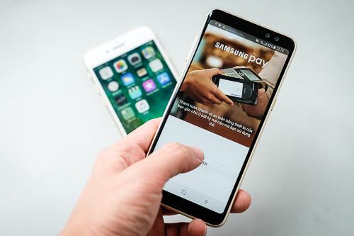 So sánh bộ đôi cận cao cấp iPhone 7 và Galaxy A8 - 12