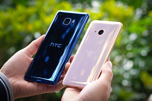 Bộ đôi HTC có màn giảm giá sốc ngay sau Tết.