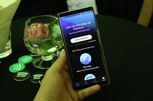 Người dùng cũng có thể nâng cấp lên phiên bản Premium trong ứng dụng.