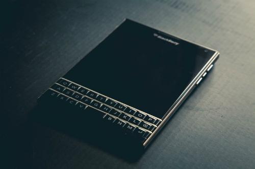 Một loạt trùm ma túy đã dùng điện thoại Blackberry tùy biến - 1