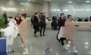 Video người phụ nữ khoả thân làm loạn sân bay gây chú ý tuần qua