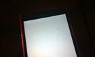 Làm sao khi màn hình điện thoại có chấm trắng?