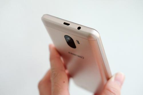 Asanzo S2, S3 - smartphone giá rẻ cho mọi người