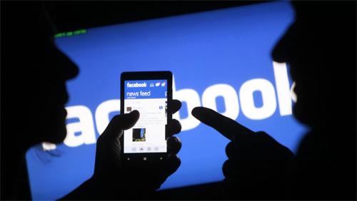 Facebook dính vụ kiện đầu tiên liên quan đến scandal lộ dữ liệu