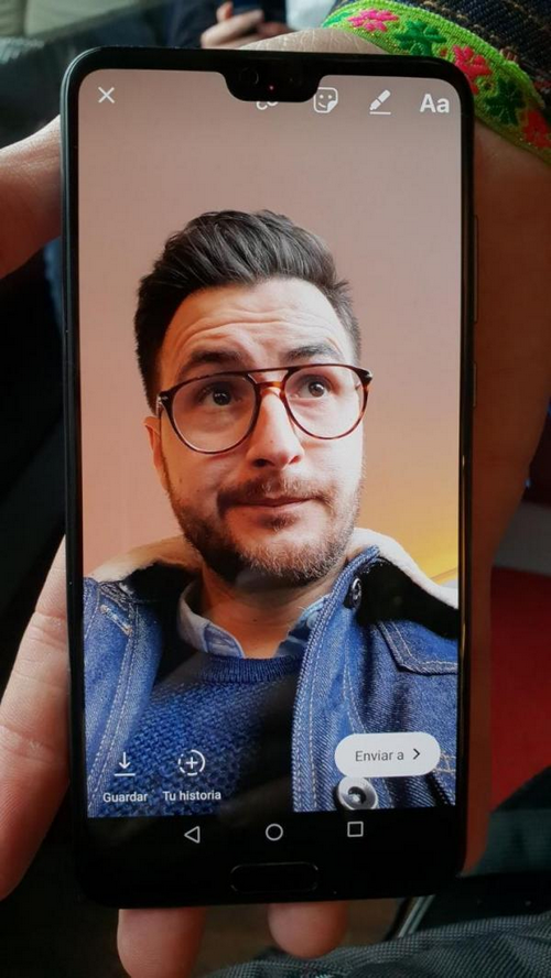 Smartphone Android chưa thể bắt chước hoàn hảo 'tai thỏ' iPhone