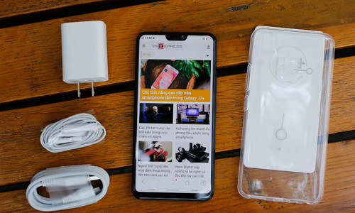 Mở hộp Vivo V9 - smartphone màn hình lớn nhất thị trường