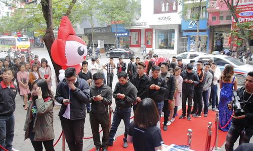 Huawei Nova 3e hút khách trong ngày bán ra