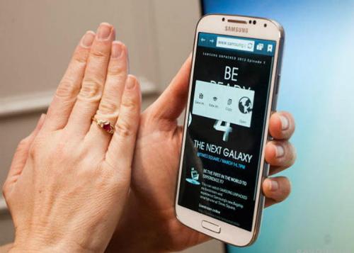 Cảm biến cử chỉ trên iPhone sẽ phải tiện lợi hơn các tính năng hiện có của thiết bị Samsung.