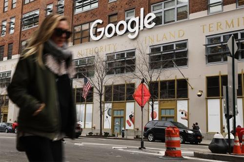 Google cũng sở hữu lượng lớn dữ liệu người dùng, thậm chí hơn cả Facebook. Ảnh: WJS.