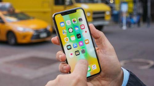 Hạ giá mua màn hình OLED sẽ trực tiếp khiến giá iPhone X giảm xuống.