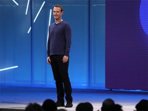 Ông chủ Facebook có trang phục mới tại F8