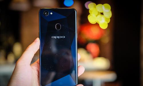 Oppo F7 phiên bản kim cương đen