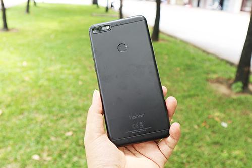 Honor 7C smartphone nhiều tính năng trong tầm giá 4 triệu đồng