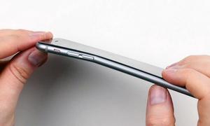 Apple biết trước iPhone 6 dễ bị uốn cong nhưng vẫn bán
