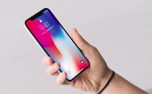 Người dân các thành phố cần làm việc mấy ngày để mua iPhone X - 1