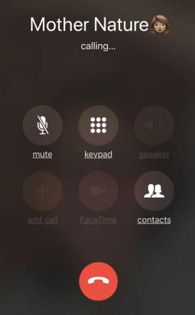 Logo loa ngoài của iPhone 7bị ẩn khi thực hiện cuộc gọi.
