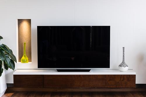 OLED E8 - TV 4K mỏng như kính, màn hình lơ lứng - 11
