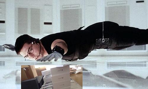 Bên cạnh bị cướp, Apple Store cũng thường xuyên đối mặt với tình trạng bị trộm. Mới nhất, một vụ trộm xảy ra ở San Luis Obispo, California ngày 21/6, tên trộm đã đục mái nhà và lấy đi số hàng hóa lên đến 100.000 USD (2,3 tỷ đồng). Năm ngoái, một Apple Store tại Mỹ cũng đã bị trộm hai lần chỉ trong sáu tháng. Ảnh minh họa.