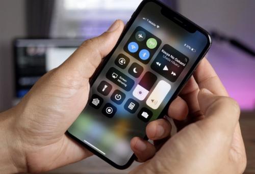 5-smartphone-mat-gia-nhat-nua-dau-2018