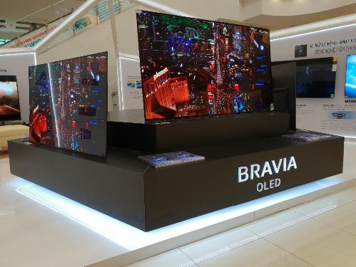 Nhà sản xuất cho biết, tiếp nối sự thành công của sự kiện Bravia OLED TV - Đỉnh cao hoàn mỹ mới tại Hà Nội vào cuối tháng 7 vừa qua, khách hàng tại Hồ Chí Minh cũng sẽ được tận mắt chiêm ngưỡng và trải nghiệm những thành quả công nghệtừ các sản phẩm thuộc dòng Bravia OLED TV.